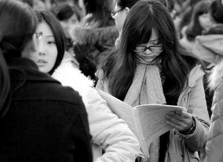 称英语辅导名师李玉技建议,考生可以利用春节前的这段时间做好三
