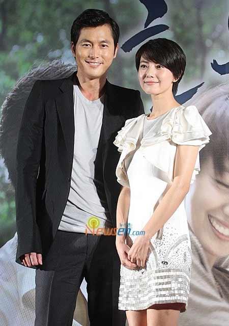 《好雨时节》韩国首映 清纯高圆圆艳惊首尔图