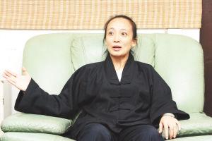 揭秘名人养生生活 王菲李亚鹏在道观9天不说话