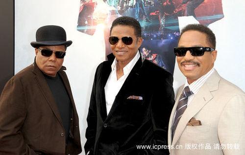 克逊五兄弟亮相迈克尔电影全球首映