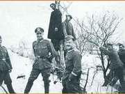 二战德军侵苏旧照:吊死游击队员 纳粹得意洋洋