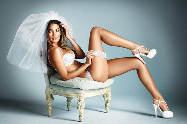 维多利亚的秘密纯白新娘内衣高清大片