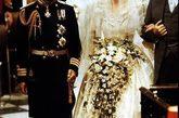 在1981年7月29日这天,英国王储查尔斯和戴安娜结婚了。