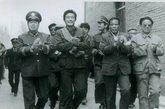 """1990年平息巴仁乡暴乱,是与""""东突""""恐怖势力斗争的开幕战。"""