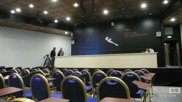 独家探访戛纳电影节准备工作 中国国旗飘扬主会场[高清大图]