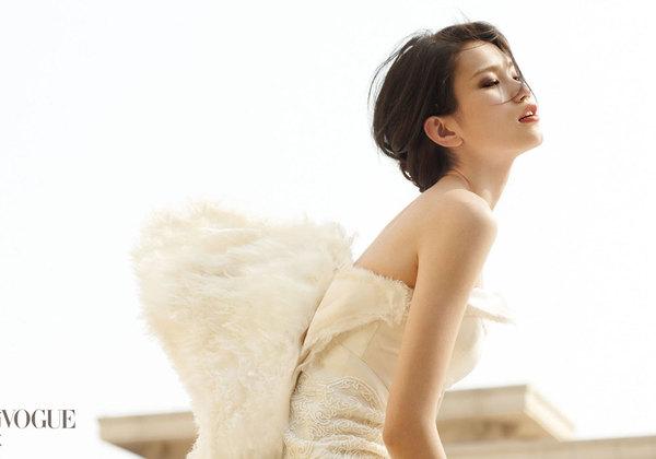 超模李丹妮魅力婚纱大片