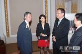 凤凰卫视董事局主席、行政总裁 刘长乐太平绅士在纽交所。