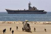 """5月28日,西班牙海军的""""阿斯图里亚斯亲王""""号航母也参加了马拉加的建军节汇演。"""
