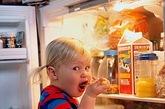 在儿童节,像孩子般纯净的乐呵乐呵吧。跟着凤凰网时尚编辑一起,看看生活摄影师Stephanie Rausser镜头下的孩子们,或哭或笑的面庞,让你在压力山大的大人世界里,享受片刻孩童的无忧无虑!
