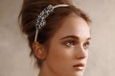 纯净是婚纱必备的元素,也是每一个新娘的期许。