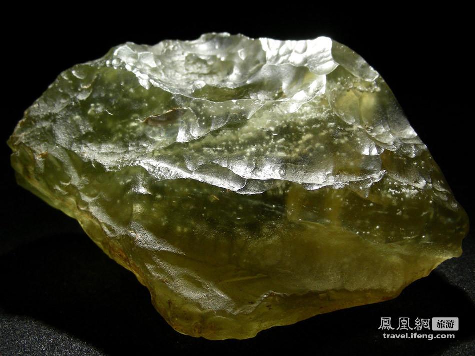 奥索卡_此物只能天上有 揭秘利比亚沙漠挖出的玻璃陨石_旅游频道_凤凰网