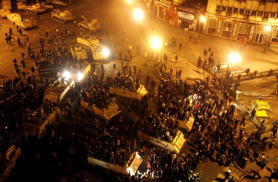 埃及开罗解放广场爆发骚乱[高清大图]