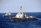 美国与东南亚大批军舰在南中国海举行实战演习