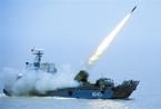 解放军新型28管火箭破障车进行海上实弹发射(图)