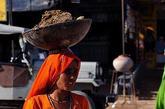 多年来,克拉拉邦成功地推行扫盲、男女平等教育。很多出租车司机是女性,非常有社会尊严。2011年普查表明,该邦每千名男童对应的女童数量达959,位于印度各邦前列。