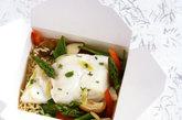 鸡蛋:鸡蛋不宜与糖同煮;与糖精、红糖同食会中毒;与鹅肉同食损伤脾胃;与兔肉、柿子同食导致腹泻;同时不宜与甲鱼、鲤鱼、豆浆、茶同食。
