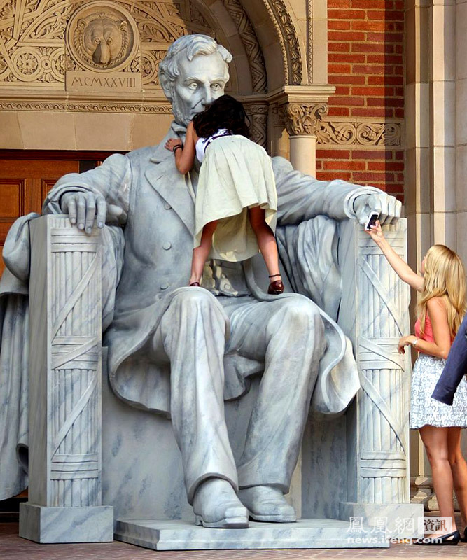 美国动作爬林肯像情趣猥亵杯a动作智能趣女星友图片