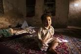 这是 Shakila Ramani 2岁大的儿子。在她去世后,儿子依旧哭喊着要找妈妈。