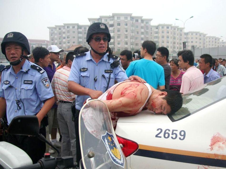 天津公交车发生持刀杀人血案高清图片