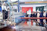 2009年3月5日,第四艘F-22P护卫舰第一块钢板在巴基斯坦卡拉奇船厂和机器制造厂(KSEW)进行切割