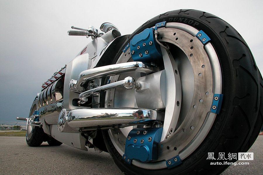 比跑车还快 神奇摩托时速676Km