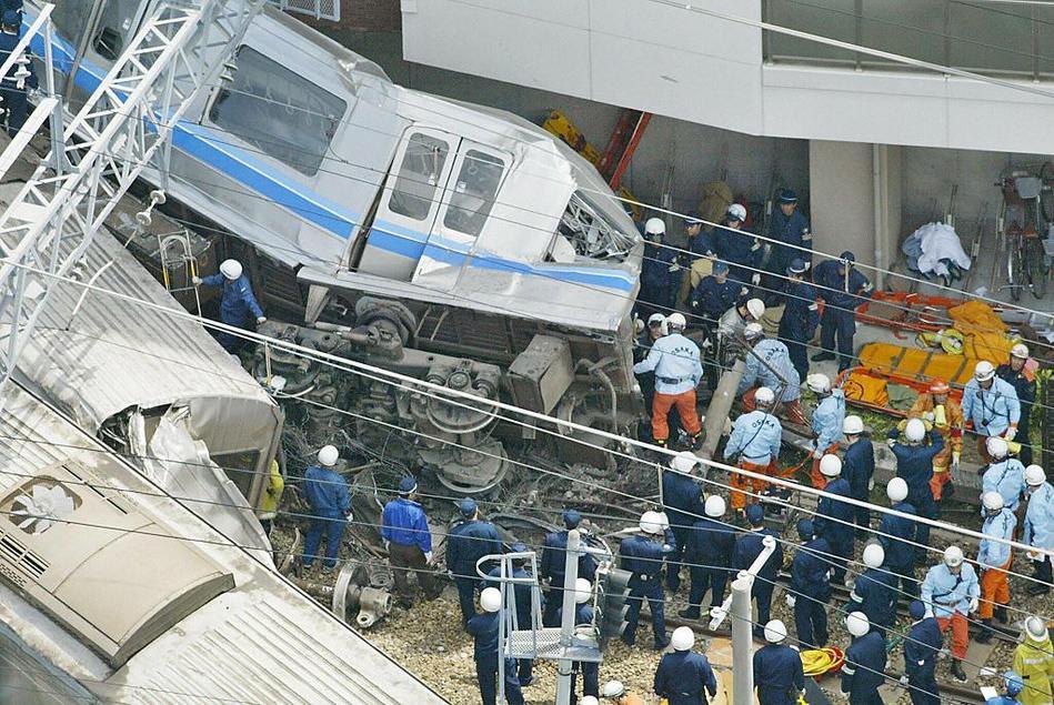 日本地震新干线8列车脱轨 却没有死亡!|安徽崛