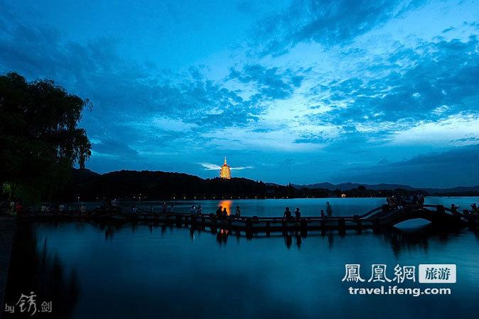 西湖十景之雷峰夕照 日夜锋芒不灭的奇观