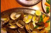 贝壳也是用炭火侍候,拌上咖喱汁,非常味美。