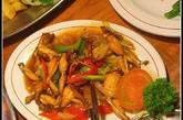 这里的咖喱青蛙也十分值得推荐,大厨用的咖喱汁是自家调制的,那个地道的咖喱香在国内永远找不到。