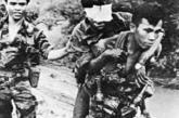 战争带来的伤害:被地雷炸伤的军人。