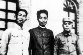 张浩与徐海东(右)、郭述申(左)合影。