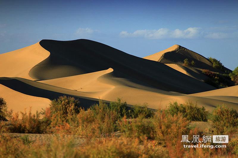 徒步巴丹吉林沙漠 感受大漠的壮美