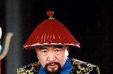 最具代表性的刘罗锅,由李保田饰演。剧中戏的成分多过史,多得是借古讽今,诙谐幽默。