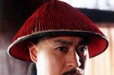 """最""""忧国忧民""""的和珅,陈锐饰演。在《乾隆王朝》中,陈锐版的王刚与贪官污吏基本不沾边,导演称其为""""为和珅正名"""",观众不买账的居多。"""