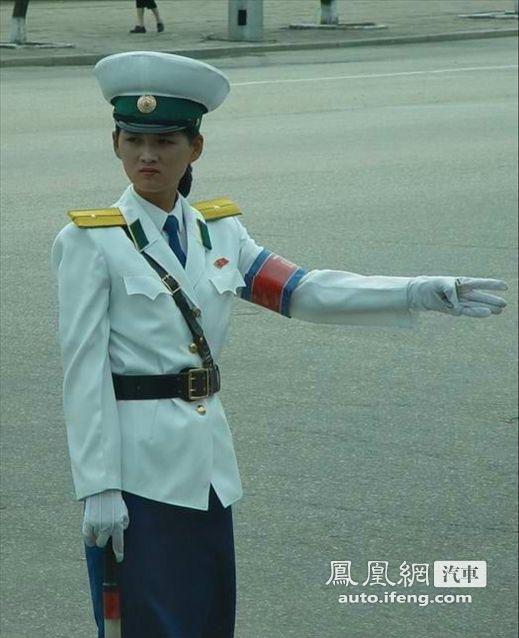 中国、朝鲜、越南女交警对比 汽车频道