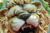 """真正的狂野:从狮子的牙齿到狮子的毛发和耳朵都显得""""入木三分""""。"""