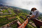 俄罗斯19岁学生玛拉特18个月前购买了一部相机,开始四处寻找美景拍照。
