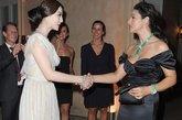 奢侈时尚品牌卡地亚(Cartier)全新的高级珠宝系列Sortilege展示会在豪宅奥蕾莉亚别墅(Villa Aurelia) 举行,范冰冰、莫妮卡·贝鲁奇 (Monica Bellucci) 作为卡地亚亚洲区和欧洲区代言人同场现身。两位女星亲切交谈合影,上演令人赏心悦目的中西方性感美女大PK。