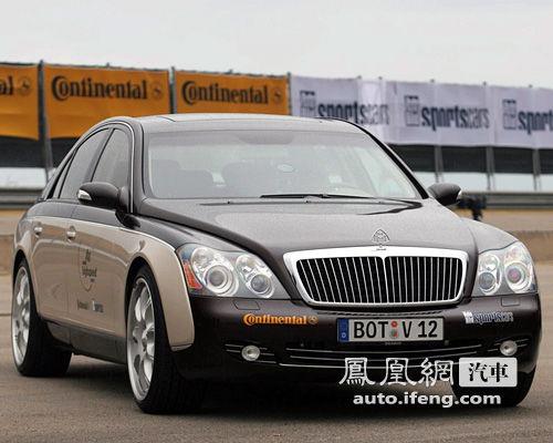 这辆光车标就价值17万的迈巴赫,车价高达1200多万.