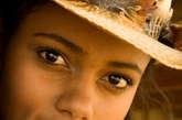 5.纹深多足,没有心腹。眼睛周边纹多、深而乱,这种人心计较多,斤斤计较,是个没有知心朋友的人,包括自己的亲缘、老婆在内,甚至连自己他都不相信,没有心腹贵人,办事全凭自己,单闯独干,所以难成大业。 (资料图)