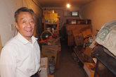 9月22日,河南洛阳,住该门洞的居民说:李浩囚禁性奴的地下室和我的一样大小。