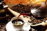 咖啡因 很多人都知道,含咖啡因食物会刺激神经系统,还具有一定的利尿作用,是导致失眠的常见原因。