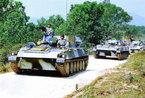 中国新一代122毫米自行榴弹炮系列