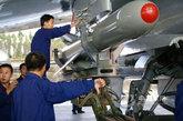 """""""鹰击-83K""""空对舰导弹,装备""""飞豹""""等攻击飞机。"""
