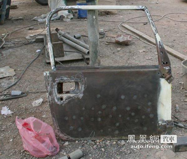 看民间牛人把北京吉普2020改装成牧马人高清图片