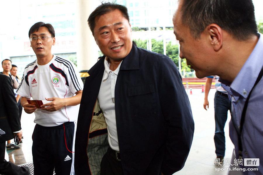 足管中心副主任于洪臣,副领队郭炳颜等人前来参加集训