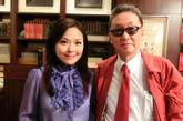 今年七月,凤凰卫视《文化大观园》栏目组一行远赴台湾,有幸约请到了台湾著名作家同时也是凤凰卫视的老朋友李敖先生,作为栏目的特邀主持人,谢亚芳和摄制组一起进入李敖先生的家中,这也是凤凰卫视第一次踏进李敖先生的家。对他进行了两个小时面对面的采访,回忆起当时的采访,亚芳说,真正近距离接触才发现,呈现在我眼前的并不是大家所熟悉的辩才无碍、锋芒毕露、爱出锋头的狂人李敖;而是个和蔼可亲、待客热情的李敖。