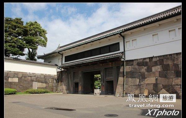...日本的皇宫——东京皇居.从地图上看,东京皇居大概分成四个...