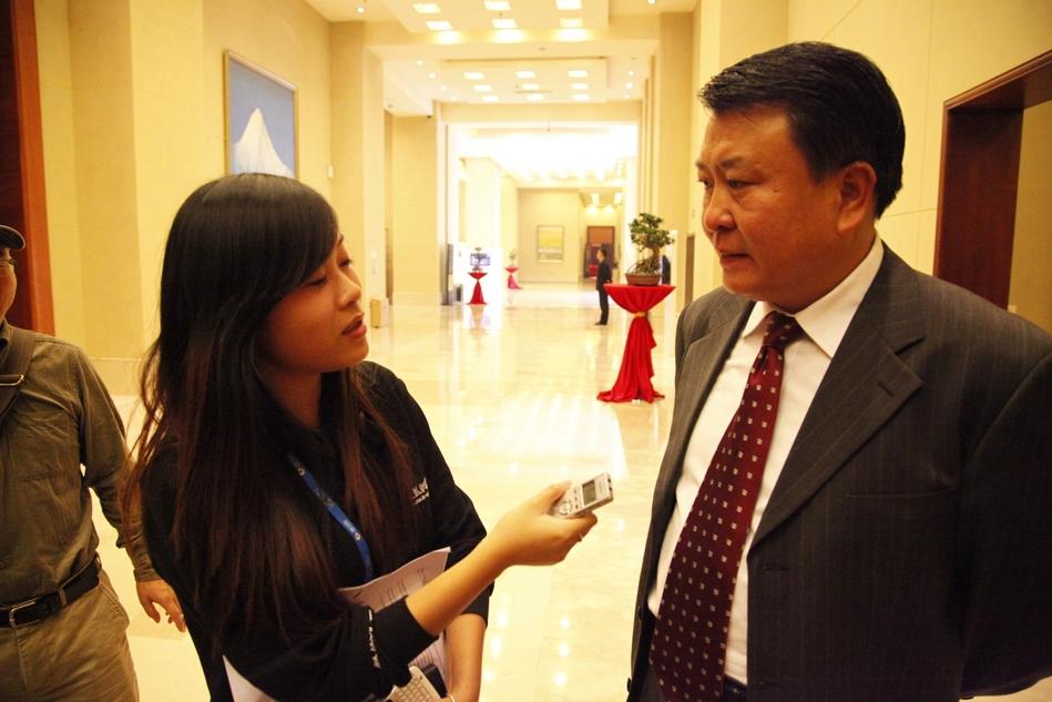 凤凰网汽车专访:北汽集团董事长徐和谊