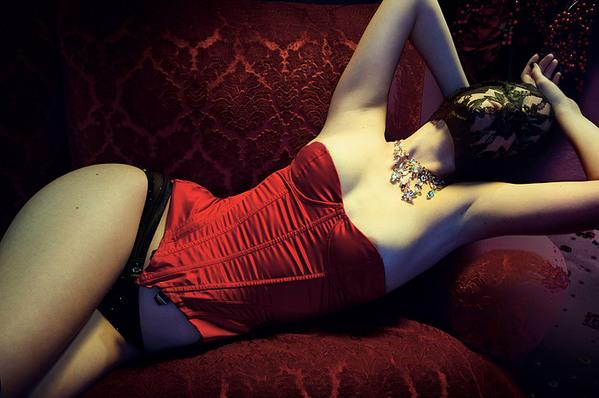法v镜头镜头照片下的美女人体艺术(大师图)的的美女不要脸高清图片